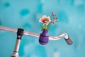 Fiets bloemenvaas paars